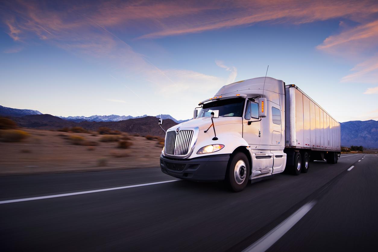 Logistics Semi Truck